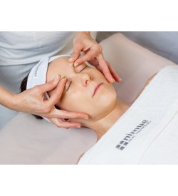 Nimue Active Rejuvenation Facial with Bio Complex. Nimue SRC Treatment Massage , relaxing , pamper , Manual Lymphatic Drainage Massage , leg massage , anti-cellulite treatment , anti-cellulite massage water retention , reduce and contouring body shape clinic, fat reduction , boost your confidence , cool sculpting , packages massage , choose your treatment , Seaweed treatment Pregnancy Massage, Vanessa Gallinaro , Estetista Nimue ,Pulizia Viso , Beautician , Esse&co Nimue London, Nimue Beauty Salon London , Cleansing Gel Lite, Nimue , Skincare , AHA, Beauty Victoria London , , Hydro Balance , Photo Gel Wash, SPF 40 , SPF 40 Tinted Light, Medium, Dark , Skin Health starter kit Interactive Skin , Problematic skin, Hyperpigmented starter kit , Damaged Skin , Youth Facial , Facial Wash , TDS , Rejuvenating Facial 35% Glycolic Treatment, Bio Complex 15% Active Rejuvenation Treatment, NIMUE SRC skin resurfacing complex , Nimue Rejuvenation Booster Treatment , Course of facial , Esse&coBeauty , Massage Victoria